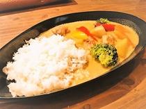 【朝食】ホワイトスープカレー