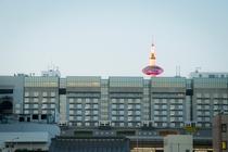 部屋から京都タワーが見える!