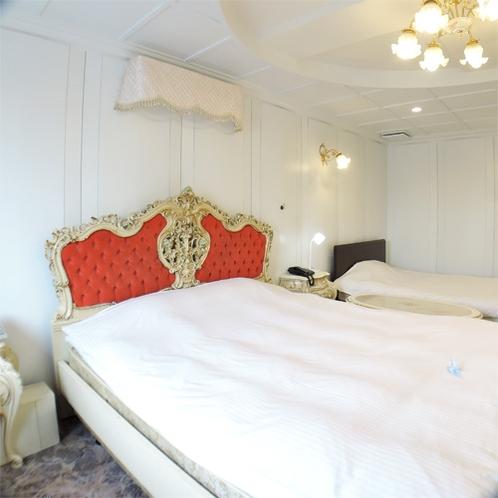 *特別室一例/宮殿を意識した豪華なインテリア、お部屋の広さはスィートルーム級!