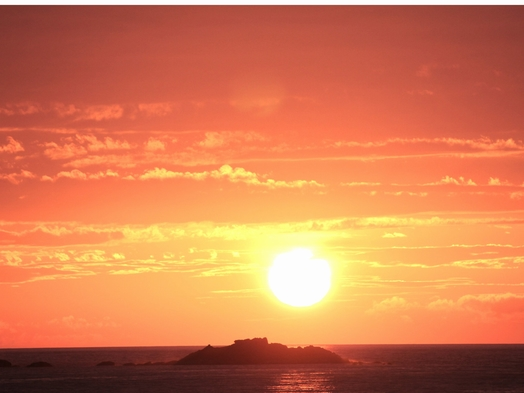【楽天限定】【日本海の水平線を望む夕焼けクルーズ+遊コース】コラーゲンプレート×季節の焼きものなど♪