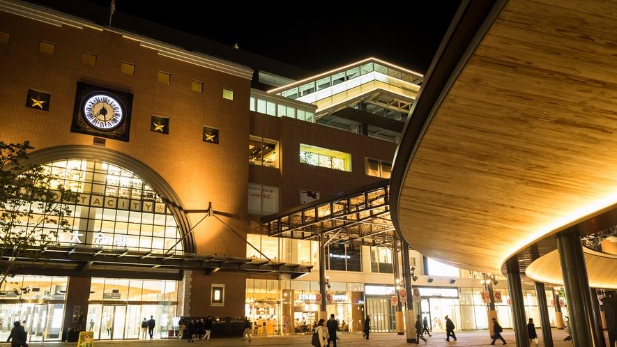 【大分駅】夜の大分駅もライトアップされてとても綺麗です
