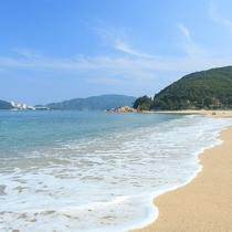 【水晶浜】きれいな水質が人気の海水浴場です