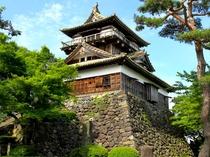 【丸岡城】現存する天守閣としては日本最古の国指定重要文化財。日本桜名所100選にも認定♪車で約30分
