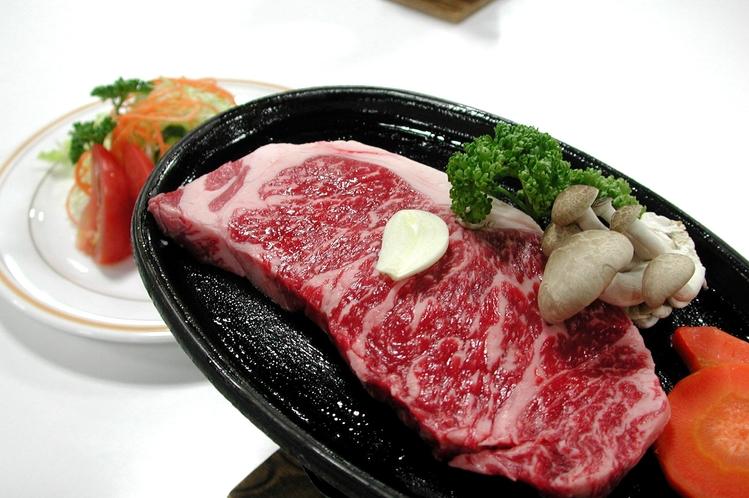 「幻の神石牛ステーキ」