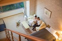 最上階ロフト付き和洋室のお部屋は、広々として開放感があります