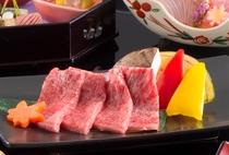 世界のブランド松阪牛を陶板焼きでお召し上がりください