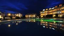 館山リゾートホテル 夜の外観
