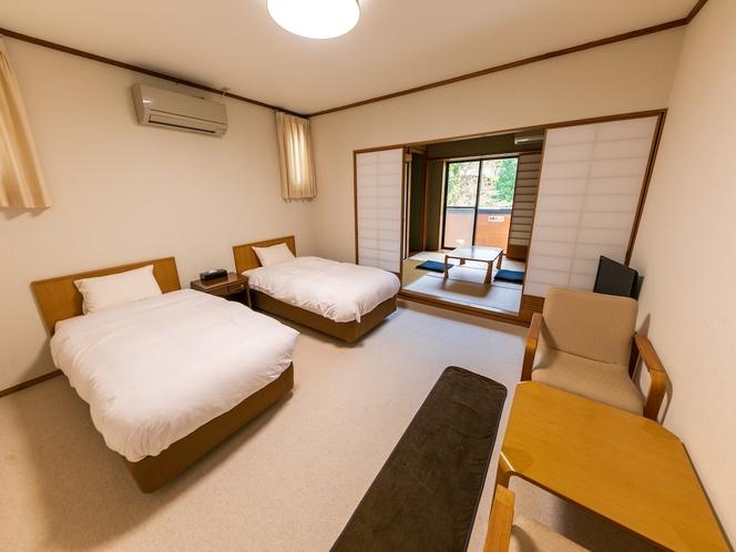 ベッドでゆったり畳で寛ぐ和洋室角部屋 【ツインベッド】