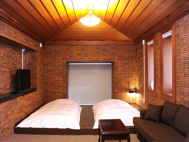 暖かみのあるレンガ造りの洋室1階 【ローベッドマットレスタイプ】