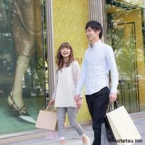 恋人達の銀座ショッピング