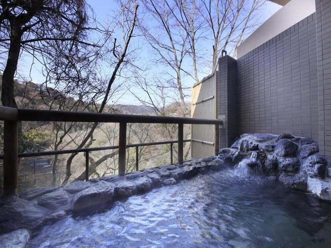 風神の湯・露天風呂 湯量豊富な「自家源泉」なので加温も加水も無しの天然温泉100%