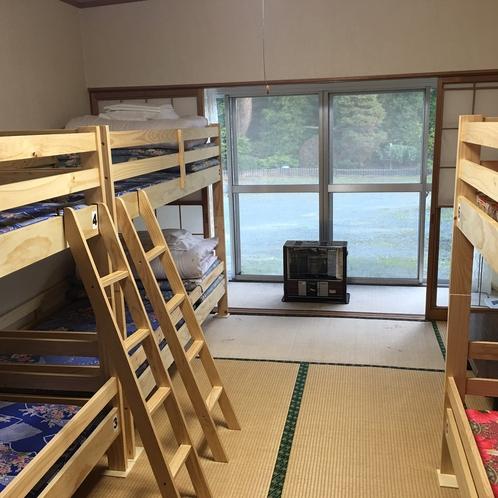 6人様が二段ベッドとシングルベッドで7名様まで宿泊可能