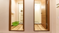 大部屋(室内にシャワールーム2室ございます)