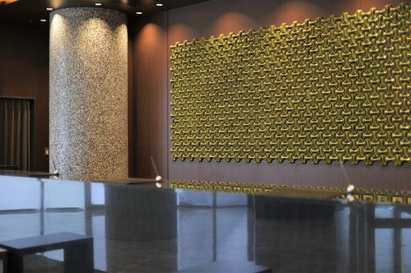 【ベーシックプラン】大阪屈指の広い客室 全室42平米以上/提携駐車場無料(食事なし)