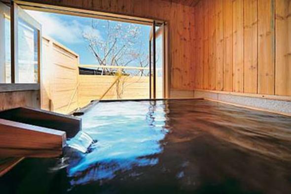 源泉かけ流し桧風呂付き客室【朝食付きプラン】桧風呂付き客室で贅沢な時間を過ごす旅を・・