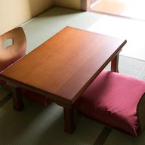 *落ち着きのある和室でお寛ぎ下さい。