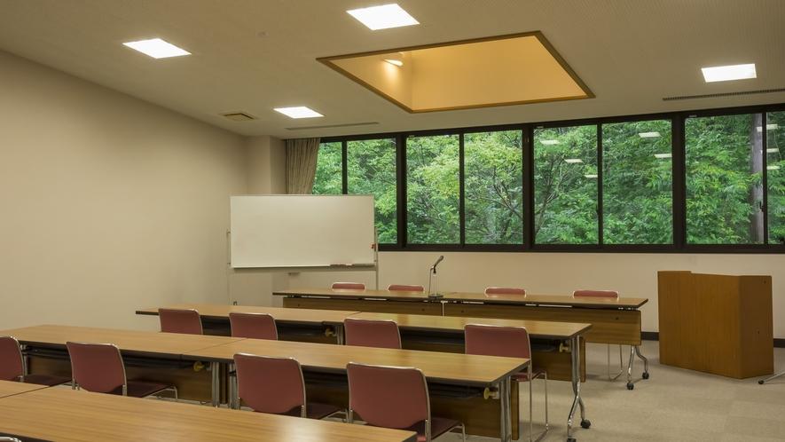 会議室もあり、様々な目的に合わせてご利用いただけます