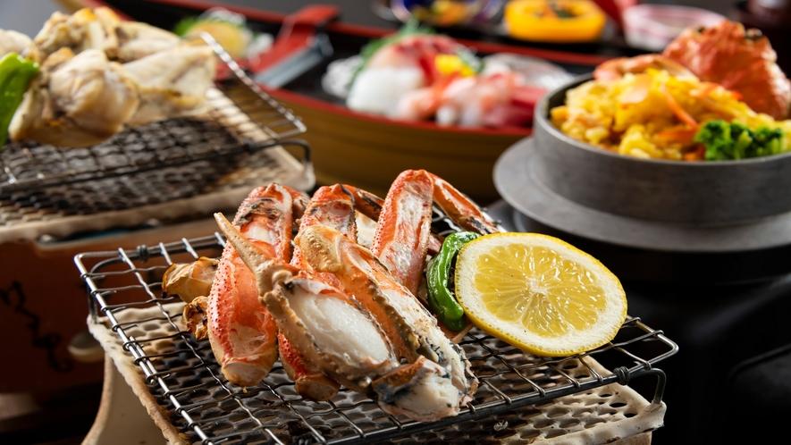 焼き蟹の香ばしい匂いに食欲がそそられます