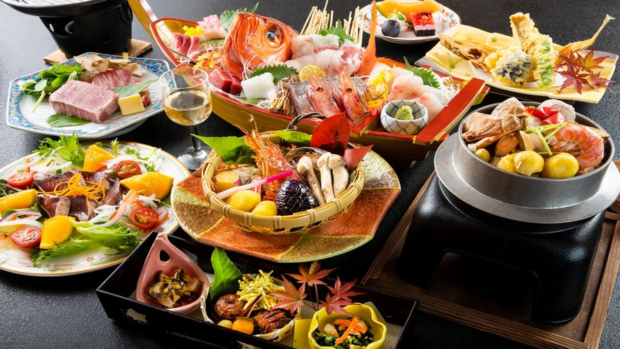 尾頭付きの豪華お造り舟盛に、香りが堪らない松茸釜飯など、贅を尽くした「秋限定」のお料理です。