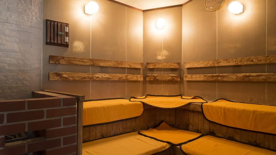 サウナ・水風呂も併設しております。