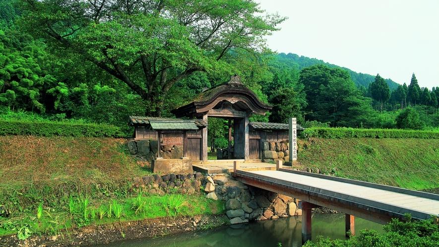 国の重要文化財・特別史跡・特別名勝に指定されている一乗谷朝倉氏遺跡