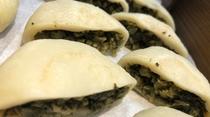 ◆ご当地メニュー:野沢菜のおやき