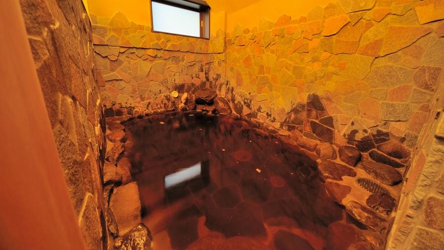 ◇女性 岩風呂 (湯温41~42℃)