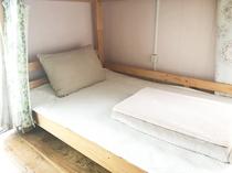 ドミトリーのベッド