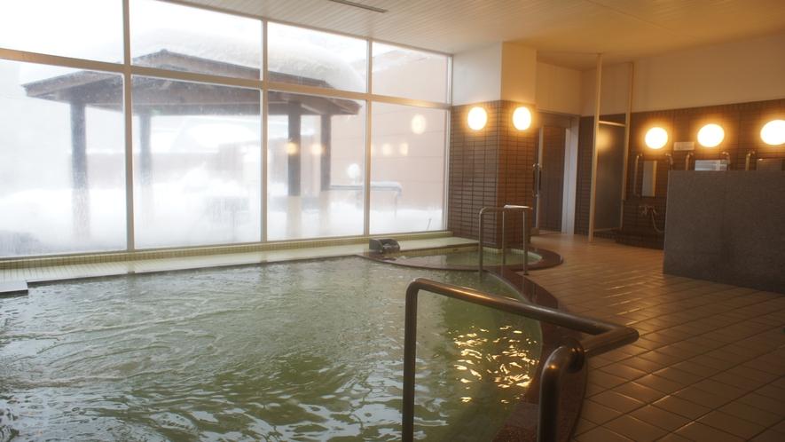 【温泉・内湯】肌への刺激が少ないため、入りやすくお子様も安心してご入浴できます。