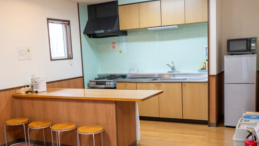 キッチンも清潔感があり、食器が便利であるとお声を頂いております
