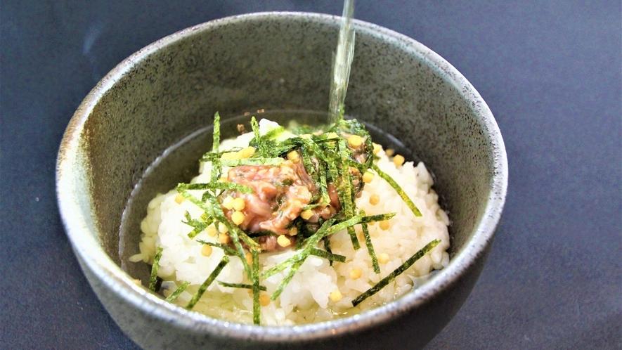 朝食バイキング「鞆の浦産 鯛の塩辛茶漬け」