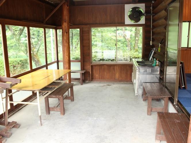 バンガローふれあいの館フリースペース!このスペースが屋根もあってBBQなどにはとっても便利♪