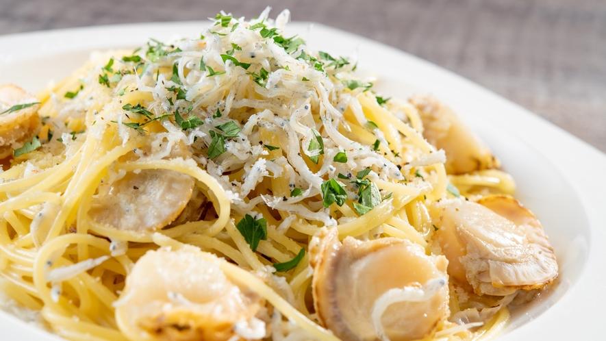 ランチ/たっぷりシラスと姫帆立のクリームスパゲッティ