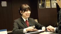 SERVICE / staff -フロント-