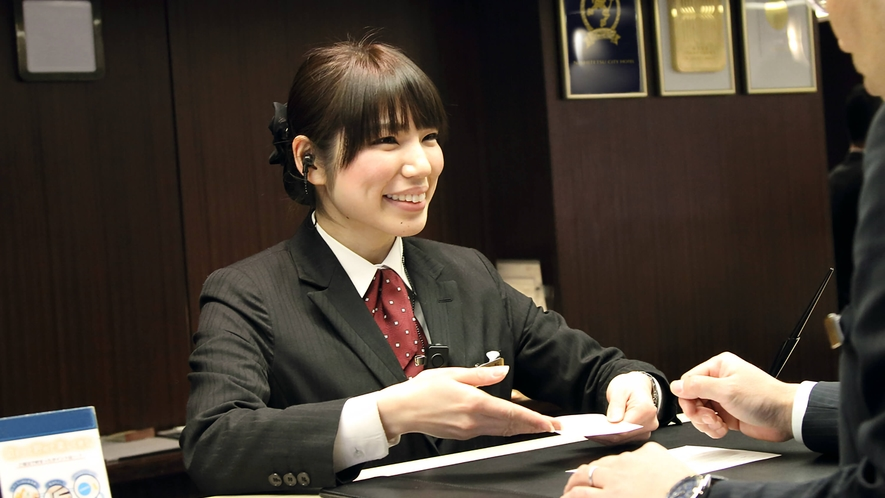 SERVICE / staff ~フロント~