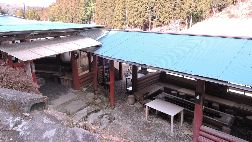 *岡田養魚場:川魚のつかみどりやBBQが楽しめます