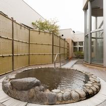 温泉施設「ゆりかご」露天風呂