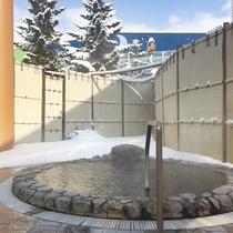 温泉施設「ゆりかご」冬の露天風呂
