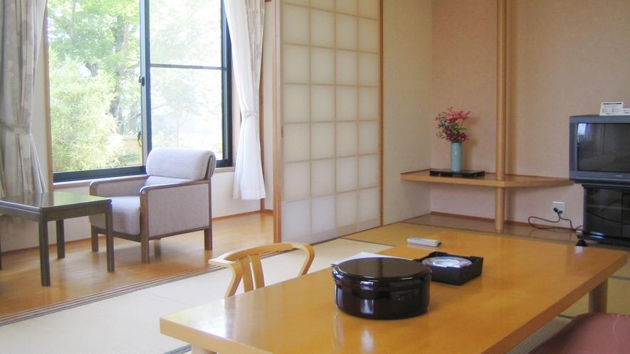 *【和室10畳一例】畳のお部屋でゆっくりお寛ぎください。