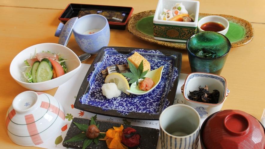*【朝食一例】一日の始まりはホカホカの朝ごはんから!