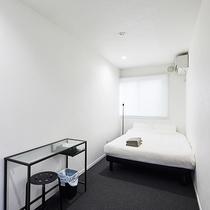 ダブルルーム(ベッド、マットレス、布団などの寝具は日本製を使用)