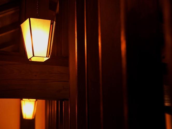 ロフトを灯す柔らかい照明
