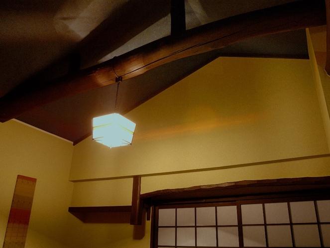 高い天井の4.5畳寝室