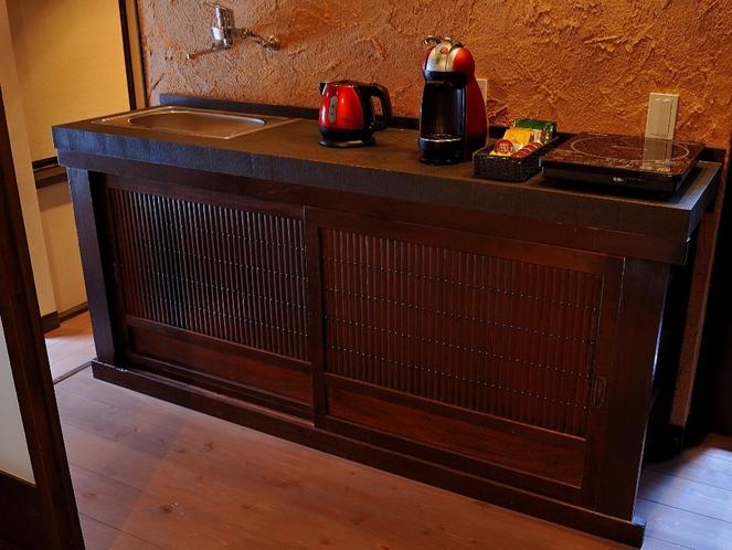 古箪笥改良の簡易キッチン