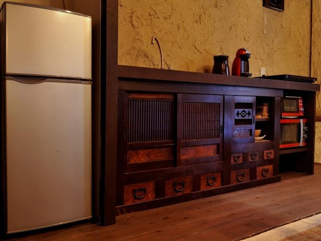 簡易キッチンと冷蔵庫