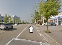 道案内 金沢医科大学前ローソンを右に見ながら直進