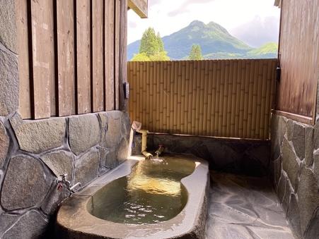 由布岳の見える露天風呂付き離れ:和室二間+踏込み付き【禁煙】