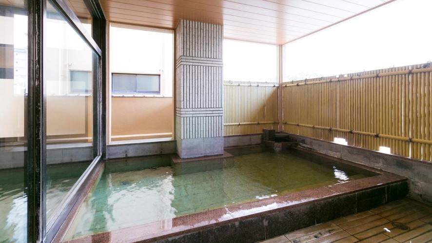 大浴場併設の露天風呂(女湯)