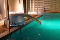 プールをもっと楽しく!スライダー