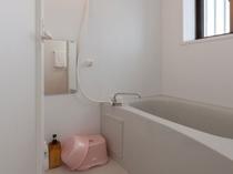 快適なバスルーム。バスタブ・シャワー有り(A・B棟)
